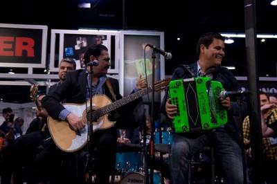 Mario Quintero Lara Plays H. Jimenez Live At NAMM 2014